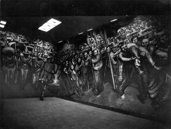 Ed van der Elsken, David Alfaro Siqueiros durante el proceso de realización del mural Del Porfirismo a la Revolución, Castillo de Chapultepec, Ciudad de México, 1960. Reproducción autorizada por el Instituto Nacional de Bellas Artes y Literatura, 2014.